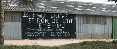 greve-du-lait-apli-2009